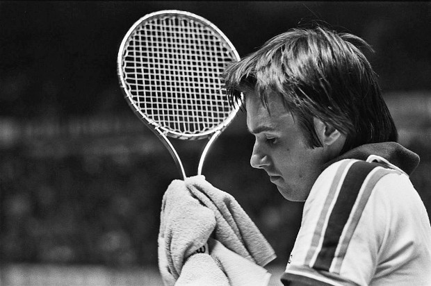 How on earth did Jimmy Connors play with a Wilson T2000 racquet?